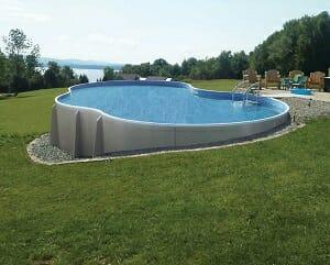 piscina de plástico grande